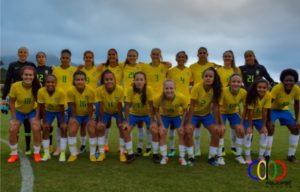 """Castrense Bruna Santos Nhaia"""" juntamente com suas colegas da seleção ... 270d5b7b2c64d"""